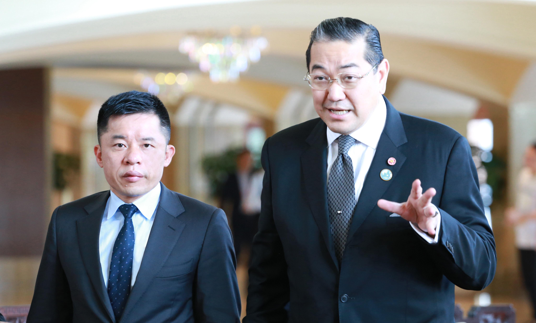 泰国前副总理 素拉杰2.JPG